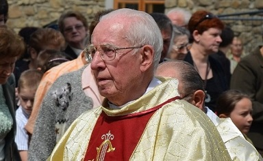 Biały krzyż ojca Andrzeja